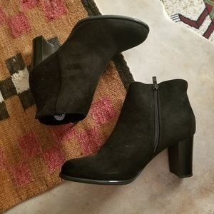 Chinese Laundry Vegan Suede Ankle Boots NWOT